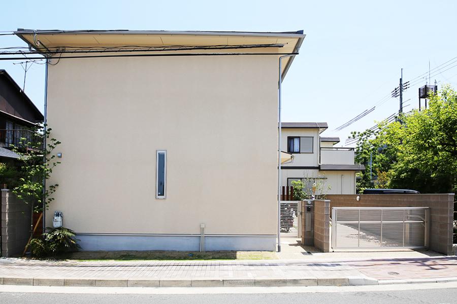 「高天井リビングに集う家」京都市左京区
